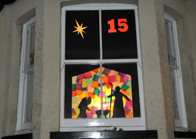 Picture displaying a completed advent window